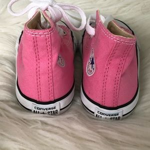 Converse Shoes - EUC Pink Toddler Converse shoes Sneakers sz 6